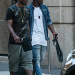 Asamoah e il fratellino calciatore in centro a Milano'02