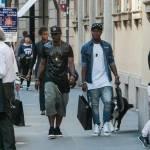 Asamoah e il fratellino calciatore in centro a Milano13