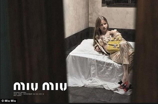 """Miu Miu, pubblicità rimossa in Gran Bretagna: """"Ammicca a pedofilia"""" VIDEO"""