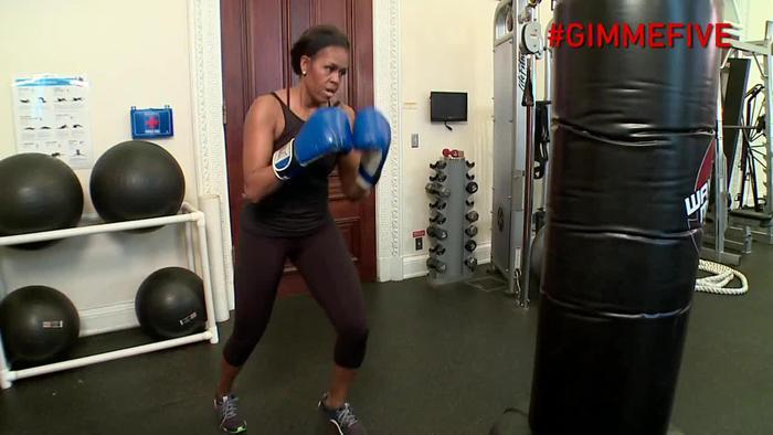 Michelle Obama fa il pugile06