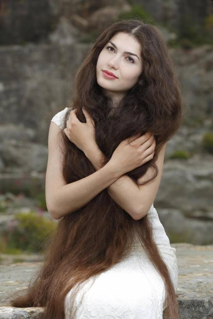 Zaryana, la modella con i capelli più lunghi del mondo FOTO