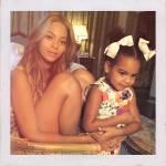 Beyoncé in vacanza a Firenze: pizza e selfie sull'Arno con Jay-Z e Blue Ivy 09