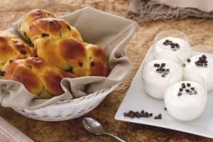 Ricette di dolci: brioche allo yogurt con gocce di cioccolato
