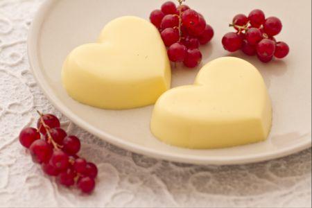 Ricette di dolci: budino alla vaniglia con frutta fresca