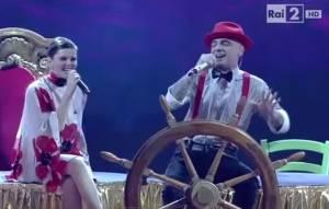 """The Voice, J-Ax e Carola Campagna cantano """"L'isola che non c'è"""" VIDEO"""