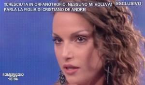 """VIDEO Francesca De Andrè a Pomeriggio 5: """"Cresciuta in orfanotrofio, nessuno mi voleva"""""""