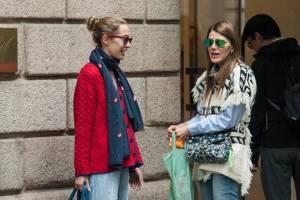 Anna Dello Russo a Milano con l'amica fotografa Micol Sabbadini