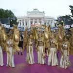 Life Ball a Vienna: Sean Penn, Charlize Theron, Dita von Teese, Conchita Wurst04