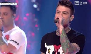 "Fedez a The Voice. Canta ""Magnifico"". Il VIDEO"
