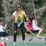 Guendalina Canessa, mamma e animatrice al parco pubblico16