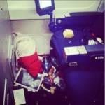 """Passeggeri maleducati a bordo: FOTO finiscono su """"Passengere Shaming"""" 15"""