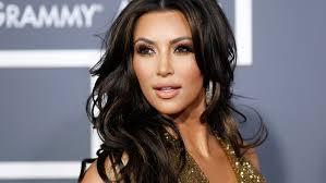 "Kim Kardashian: ""Vado in giro nuda perchè me lo chiede mio marito Kanye West"""