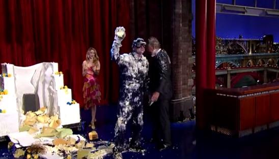 """David Letterman, addio """"Late Show"""" con Bill Murray che spunta da torta"""