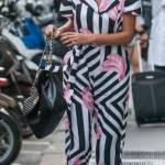 """Cristina Chiabotto, shopping a Milano con il vestito """"juventino7"""
