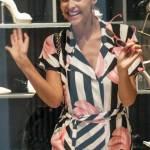 """Cristina Chiabotto, shopping a Milano con il vestito """"juventino08"""