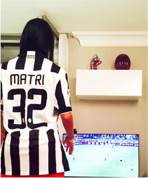 Federica Nargi esulta (sui social con foto) dopo il gol di Alessandro Matri