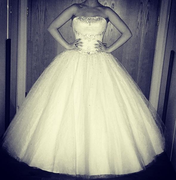 Zayn Malik verso le nozze con Perrie Edwards? Il mistero dell'abito bianco su Instagram