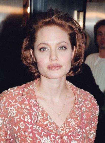Angelina Jolie, com'era e com'è. L'attrice compie 40 anni FOTO 66