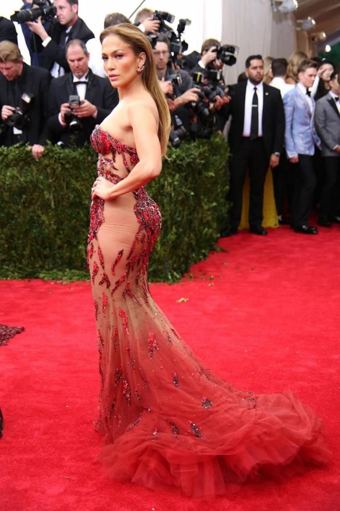 """Dieta Jennifer Lopez: """"Non bevo alcolici, non fumo, faccio esercizio fisico"""""""