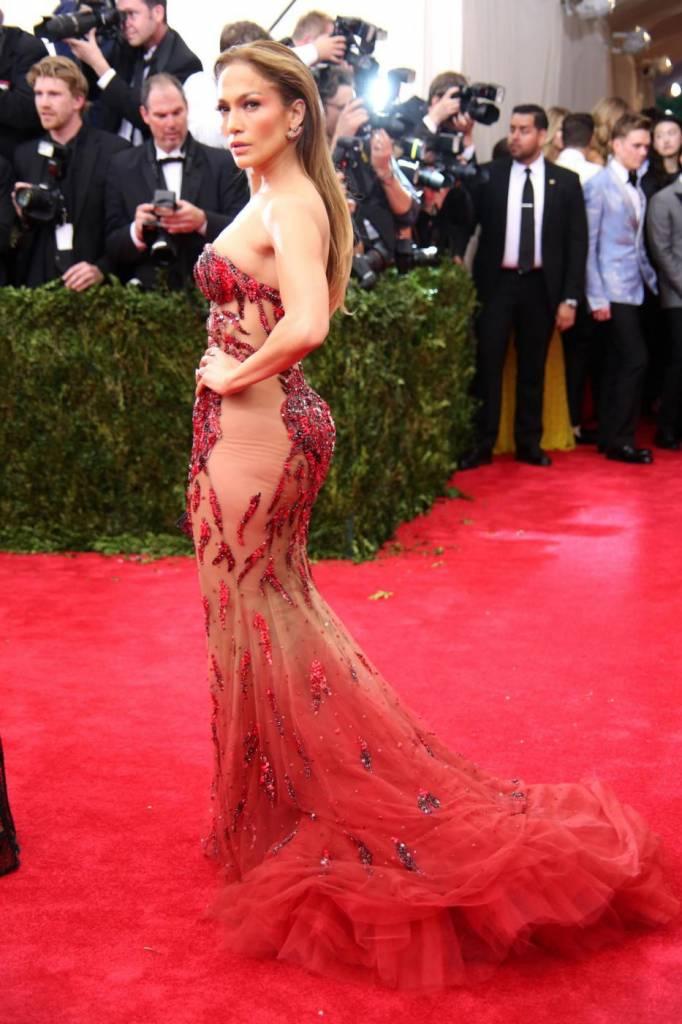 """Dieta Jennifer Lopez: """"Non bevo alcolici, non fumo, faccio esercizio fisico"""" 7"""