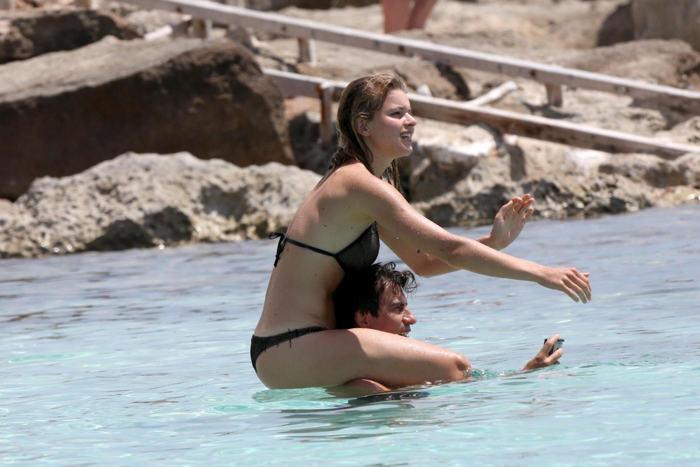 Kledi in vacanza con la sua Charlotte a Formentera15