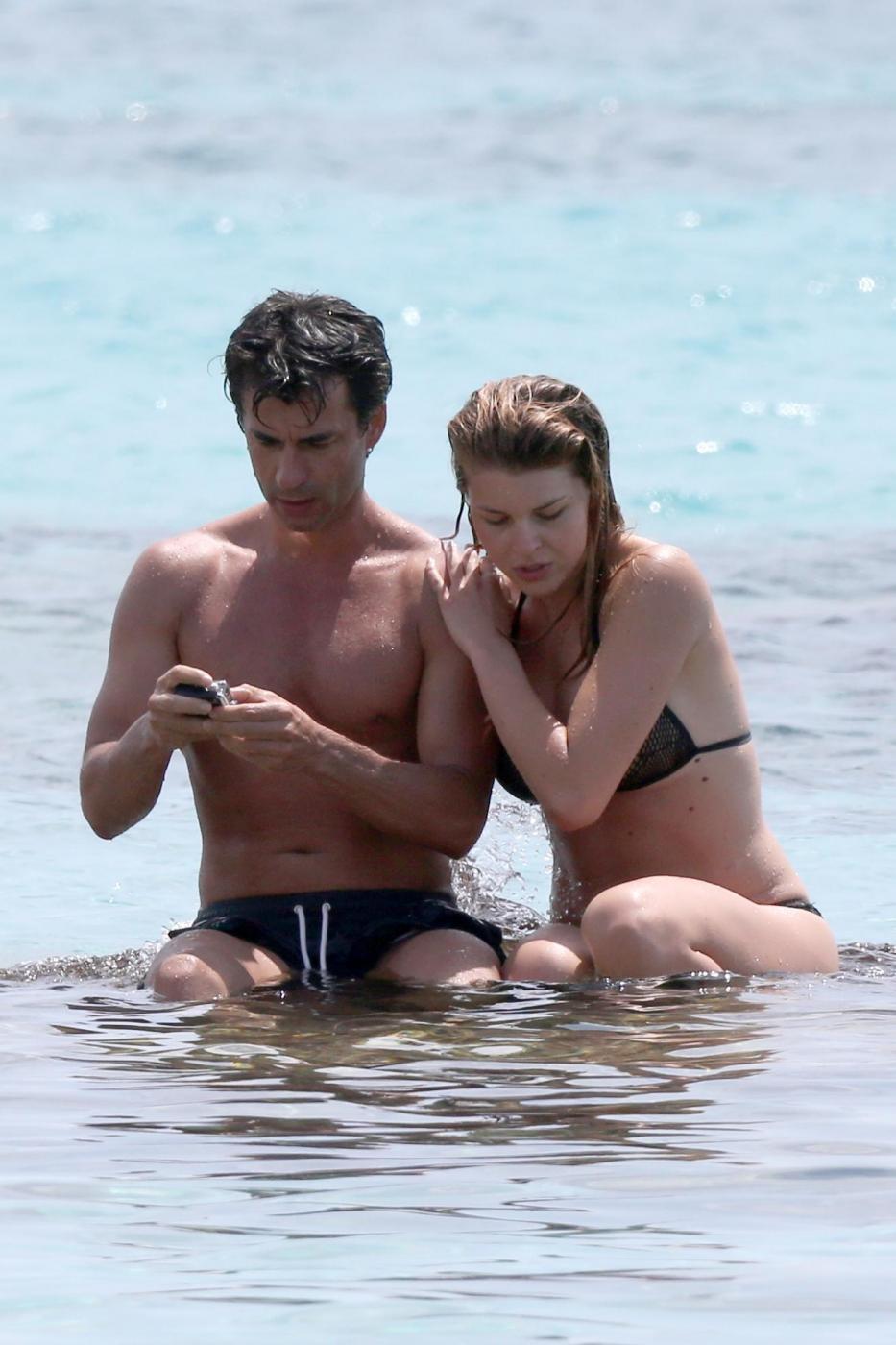 Kledi in vacanza con la sua Charlotte a Formentera19