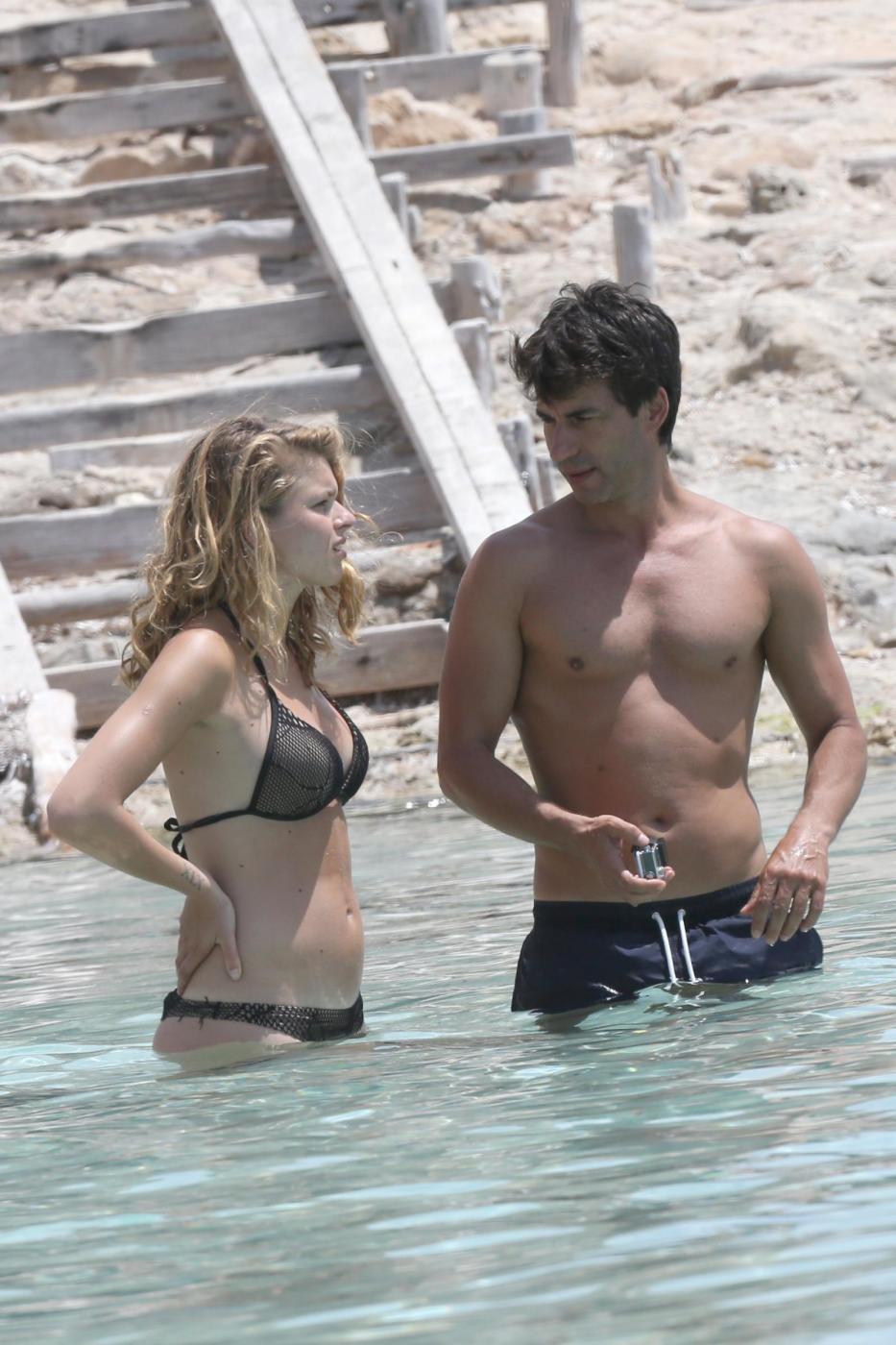 Kledi in vacanza con la sua Charlotte a Formentera02