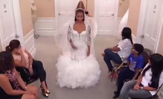 Abito da sposa da 200.000 dollari per figlia del ministro dell'Angola. Paese si indigna