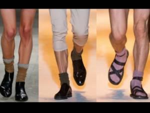 Moda, corto e floscio non ci piace... il calzino