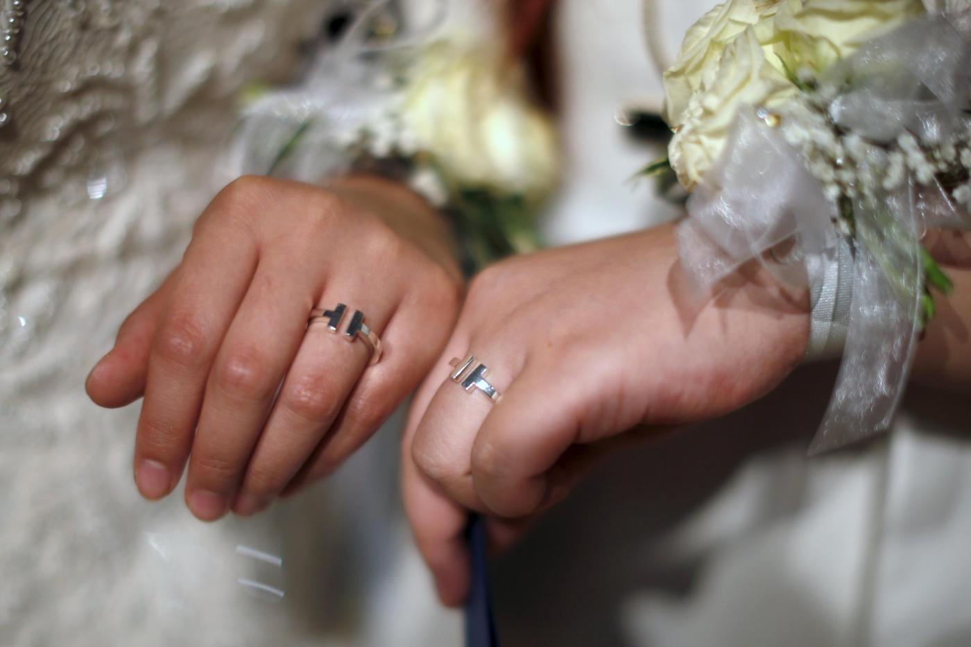 Sette coppie omosessuali cinesi si sposano a Los Angeles03