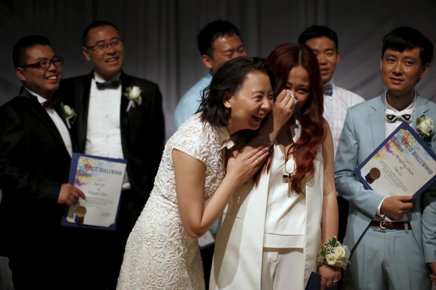 Sette coppie omosessuali cinesi si sposano a Los Angeles7