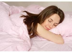 Dormire poco fa perdere la memoria. E aumenta il rischio Alzheimer