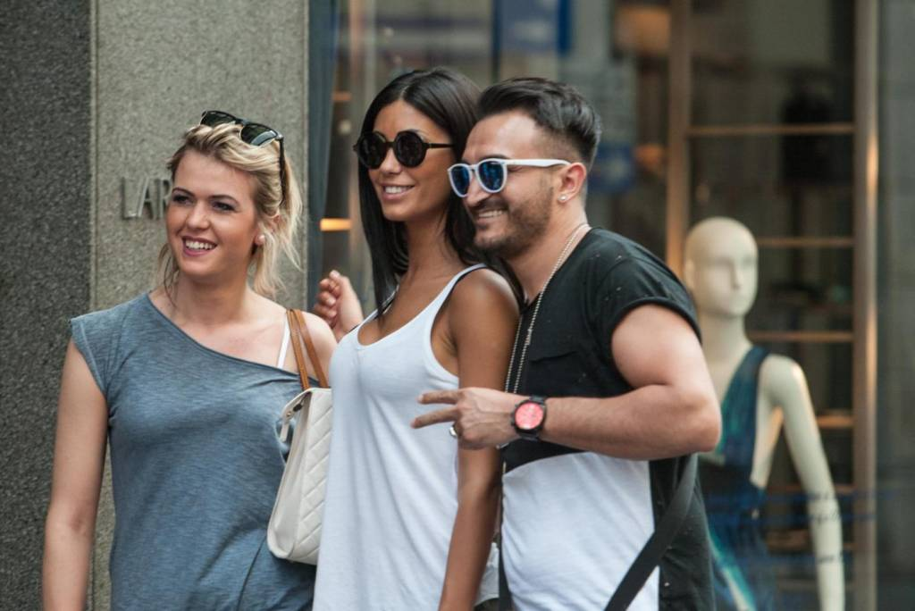 "Federica Nargi, shopping ""consolatorio"" dopo Berlino: con lei un'amica4"