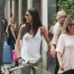 "Federica Nargi, shopping ""consolatorio"" dopo Berlino: con lei un'amica7"