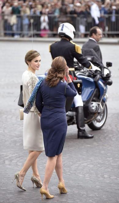 La rivincita di Ségolène Royal: accanto a Francoise Hollande all'Eliseo06
