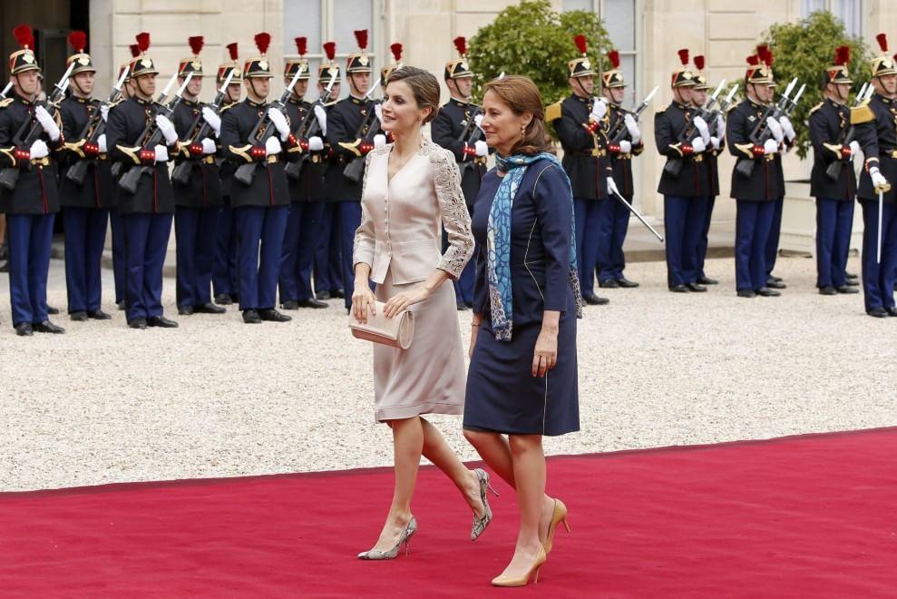 La rivincita di Ségolène Royal: accanto a Francoise Hollande all'Eliseo04