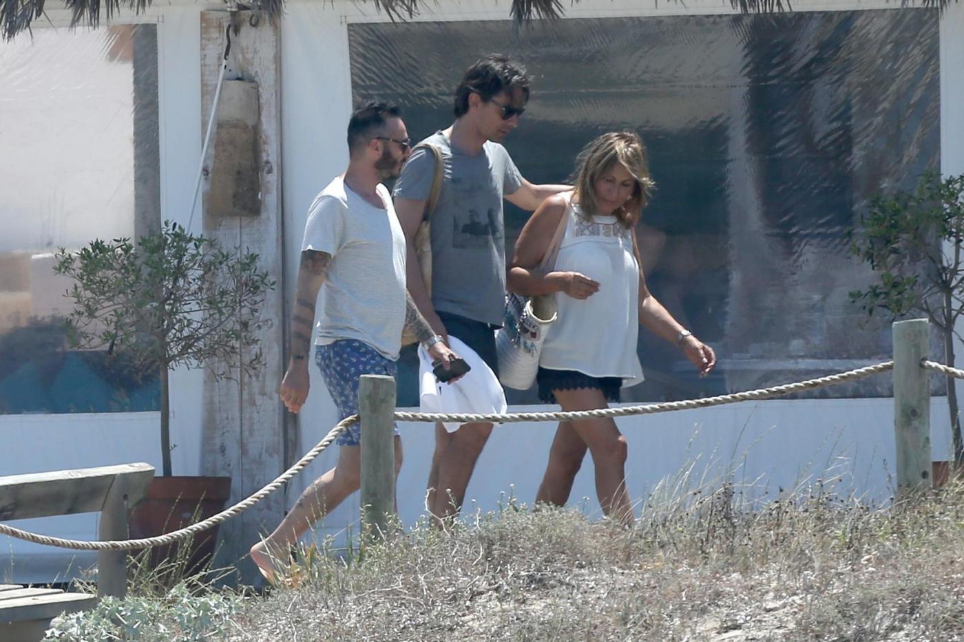 Filippo Inzaghi a Formentera con mamma e amici dopo esonero Milan08