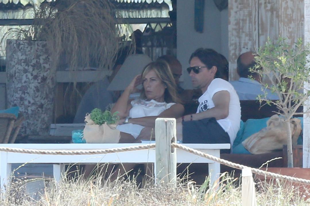 Filippo Inzaghi a Formentera con mamma e amici dopo esonero Milan07