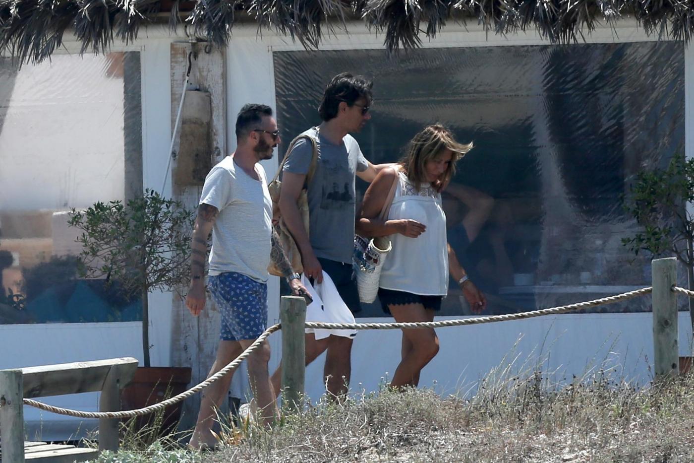 Filippo Inzaghi a Formentera con mamma e amici dopo esonero Milan10