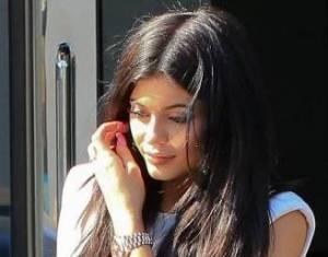 Kylie Jenner paparazzata con Tyga: spunta l'anello di fidanzamento FOTO