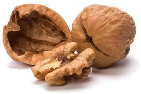 Frutta secca per la salute: 10 grammi al giorno allungano la vita