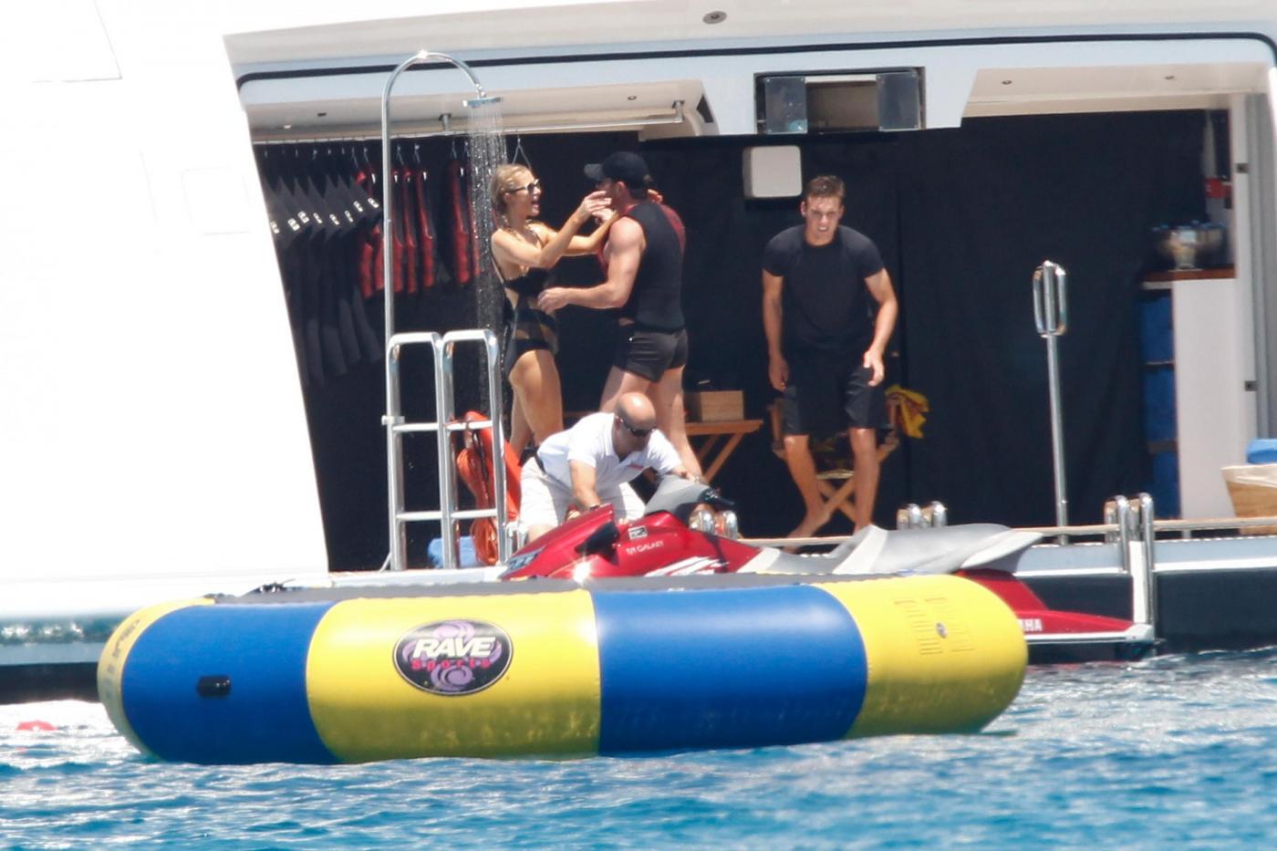 Paris Hilton e fidanzato a Formentera: sole, amore e yacht da sogno23