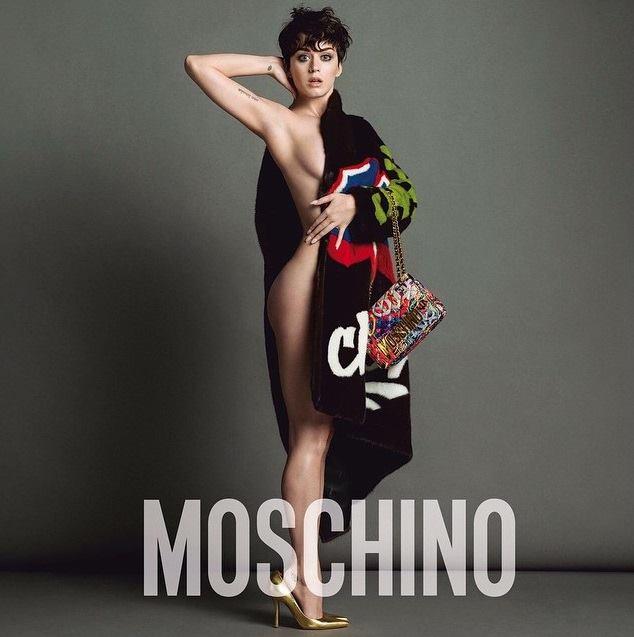Katy Perry quasi nuda nella pubblicità Moschino
