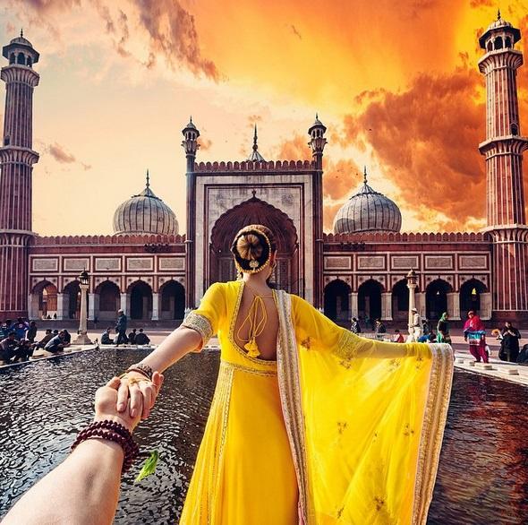 Murad Osmann condotto per mano dalla fidanzata nei posti più belli: FOTO Instagram06