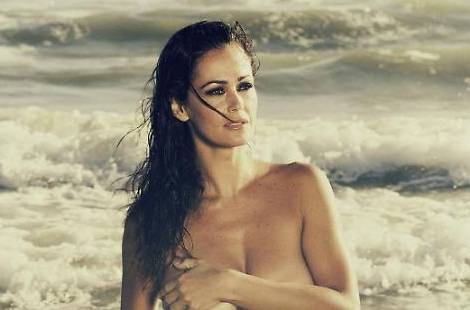 De Grenet Calendario.Samantha De Grenet Foto In Topless Su Facebook E I Fan