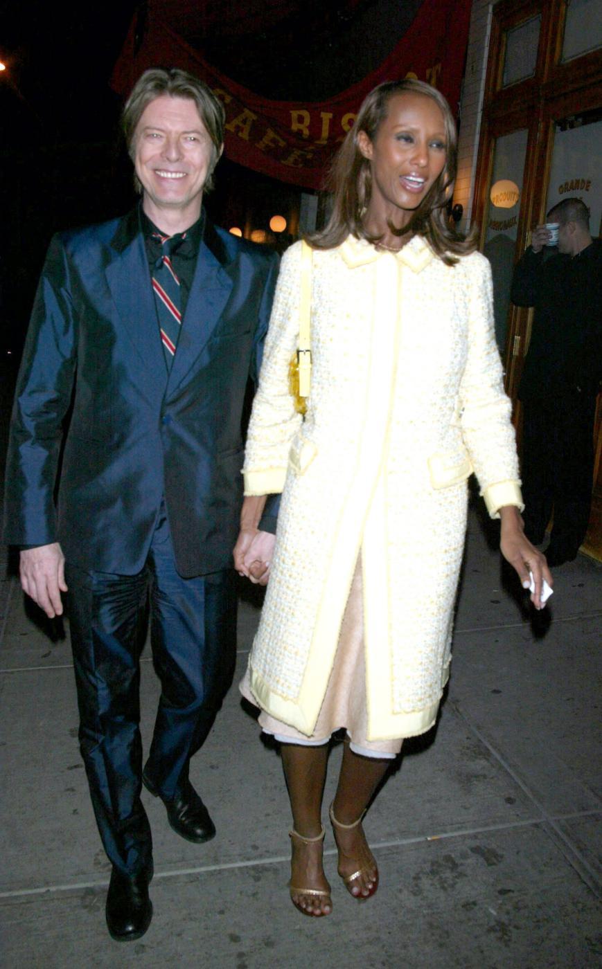 """David Bowie versione romantica. Moglie Iman: """"Mi fece trovare stanza piena di fiori"""" 5"""