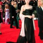 Angelina Jolie, com'era e com'è. L'attrice compie 40 anni FOTO 33