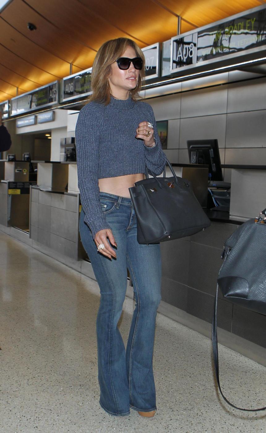 Jennifer Lopez, svelato segreto dei suoi lunghi capelli: ha le extensions FOTO
