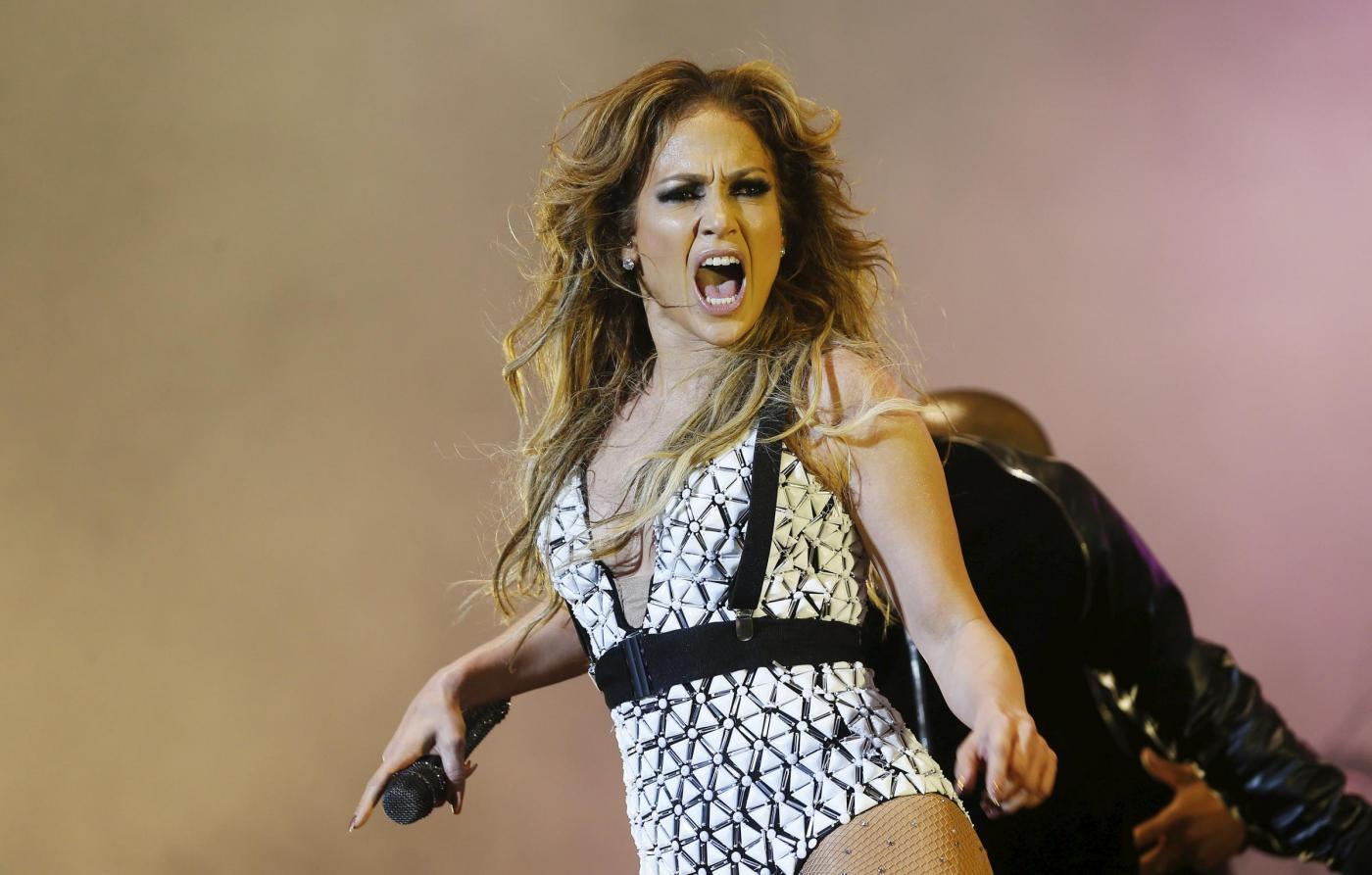 Jennifer Lopez, svelato segreto dei suoi lunghi capelli: ha le extensions FOTO 22