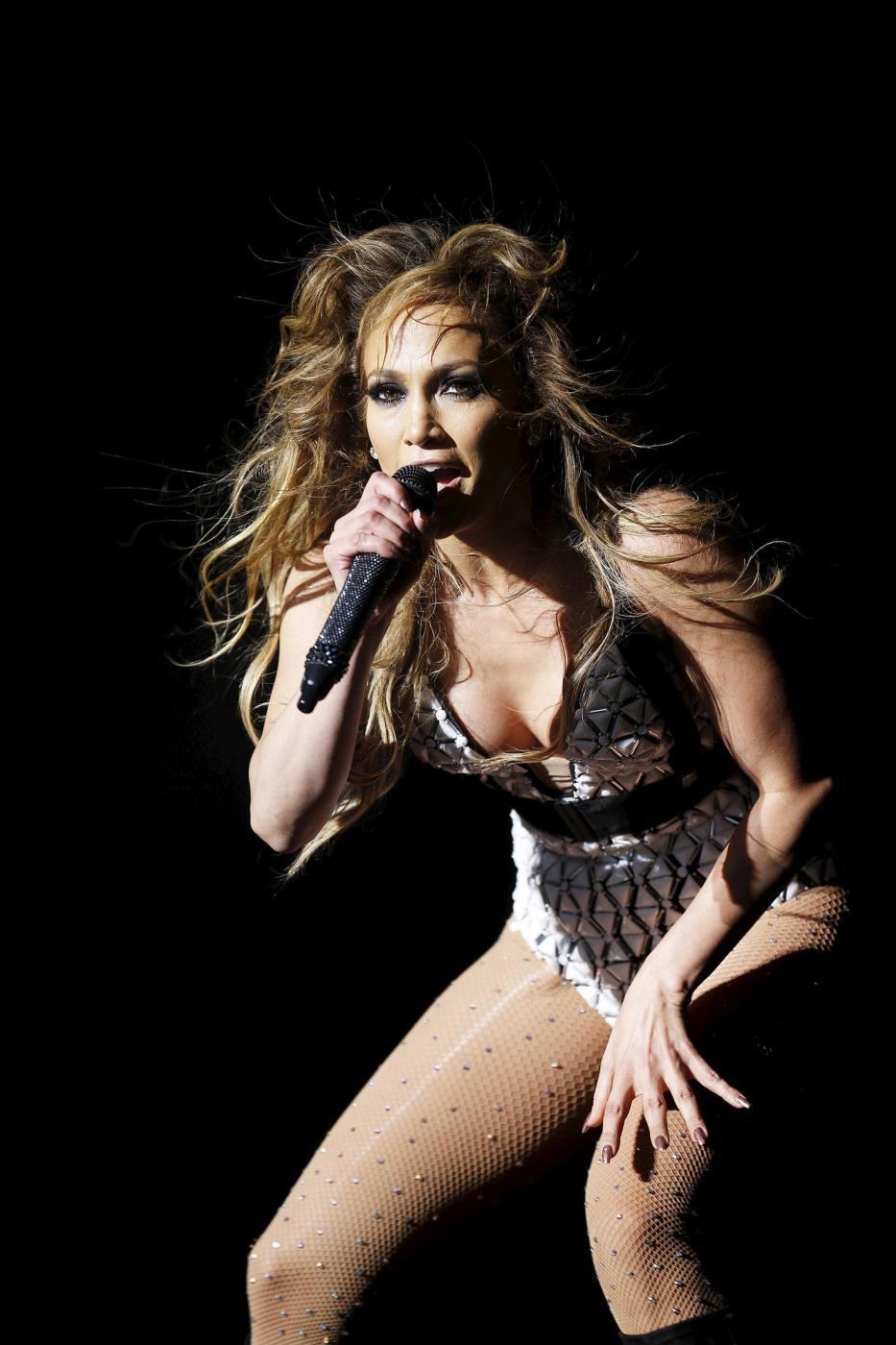 Jennifer Lopez, svelato segreto dei suoi lunghi capelli: ha le extensions FOTO 23